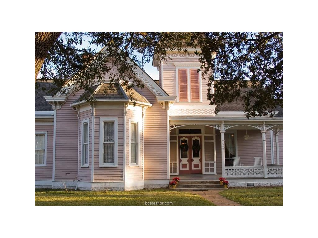 508 E Texas Street, Calvert, TX 77837