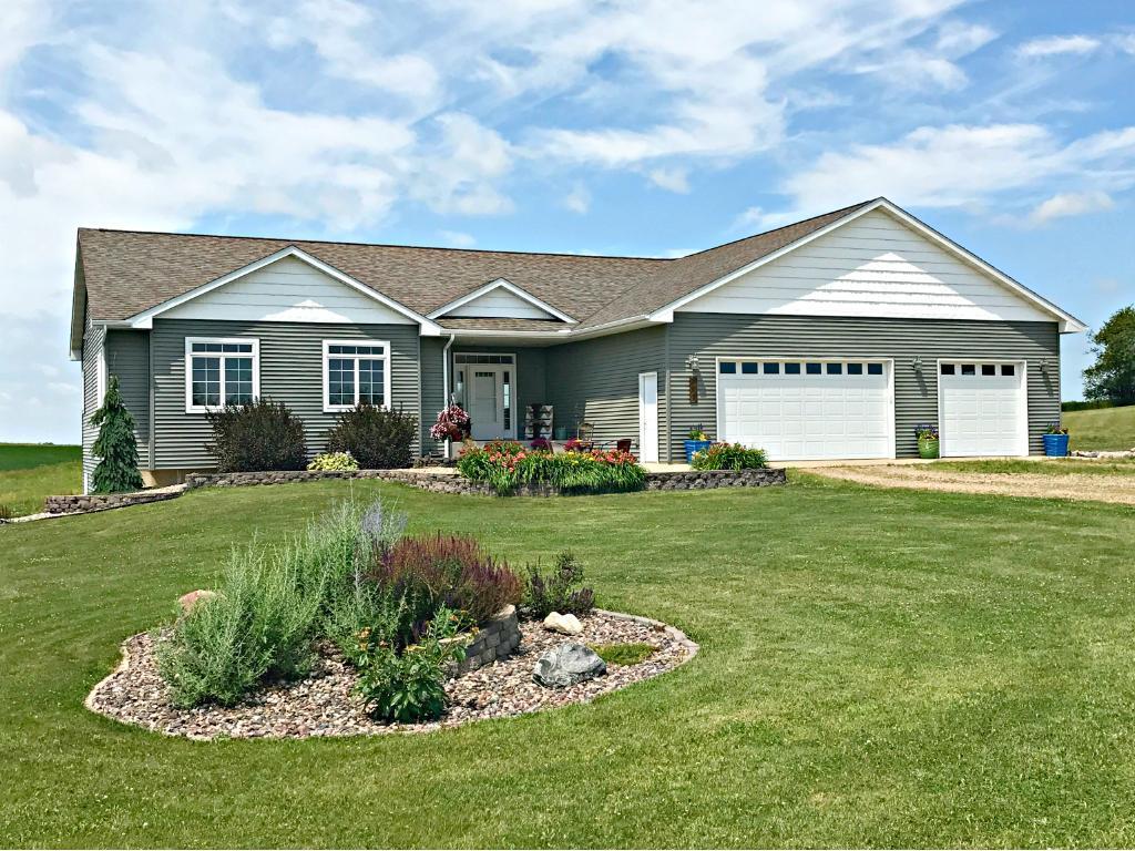807 Dale Court, Ellendale, MN 56026