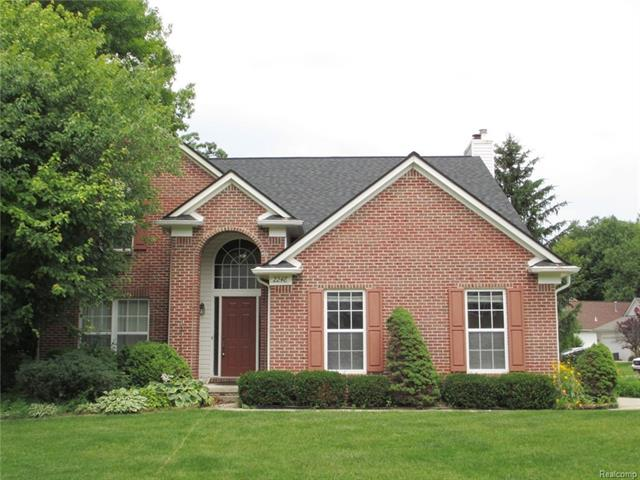 2248 FOREST HILLS, Orion Twp, MI 48359