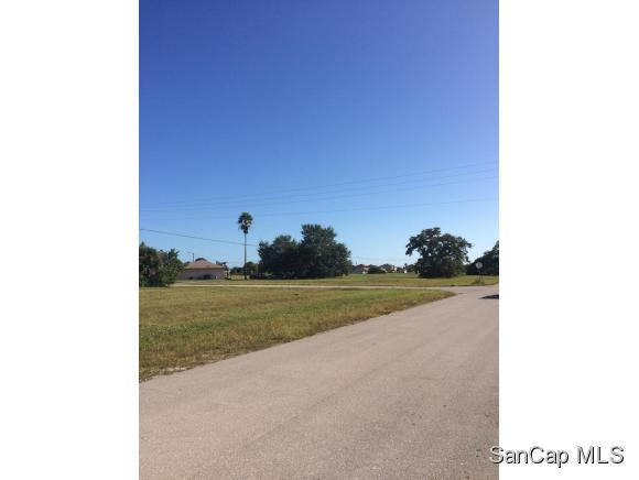 1221 Ne 8th Ter, Cape Coral, FL 33909