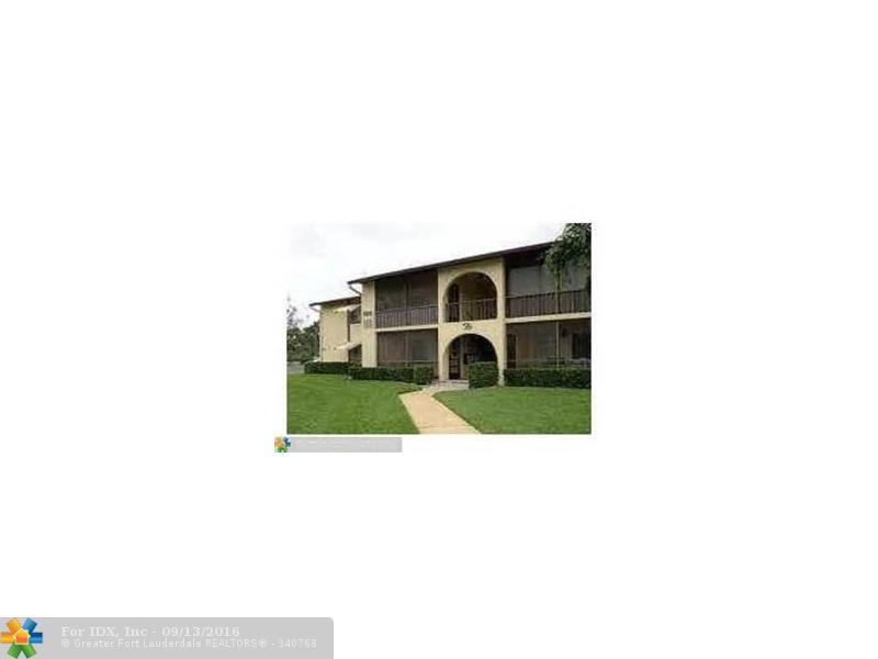 315 Knotty Pine Cir d-2, Green Acres, FL 33463
