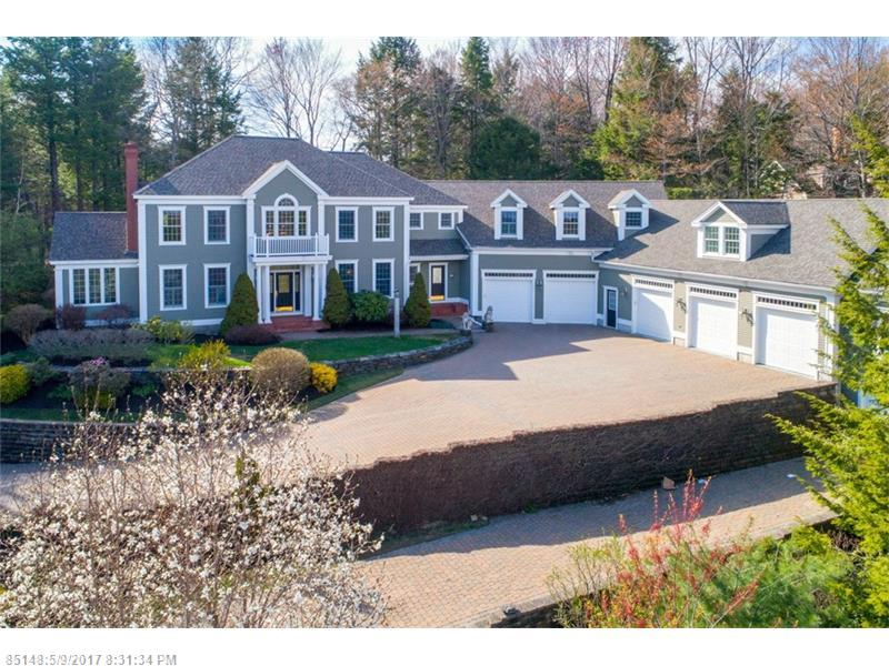 22 Inverness RD , Falmouth, ME 04105