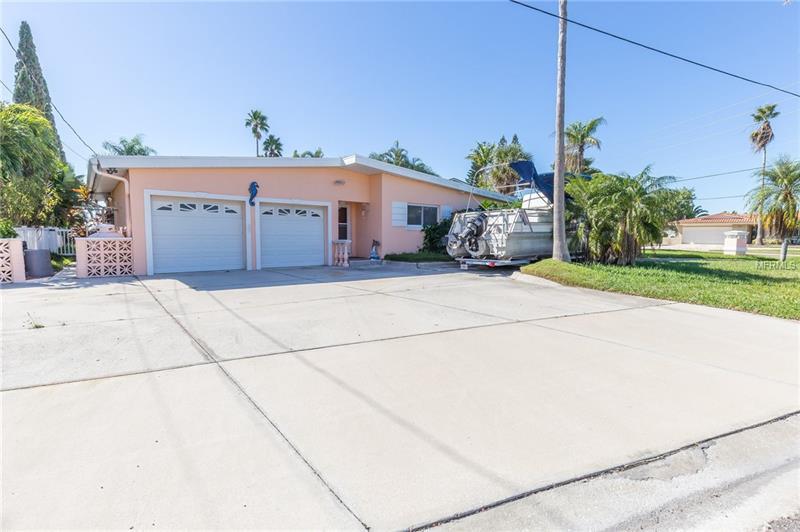 16018 5TH STREET E, REDINGTON BEACH, FL 33708