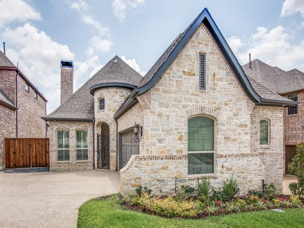 921 The Lakes Boulevard, Lewisville, TX 75056