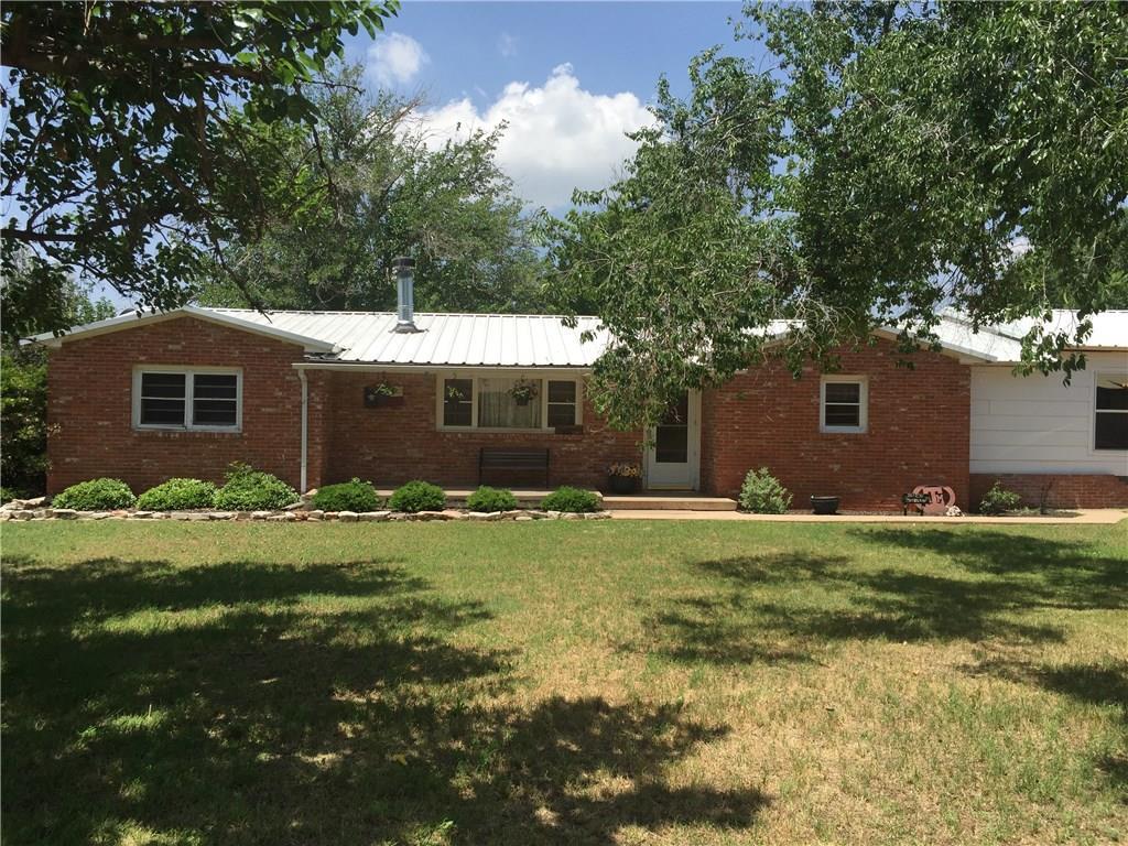 610 Goodall Street, Jayton, TX 79528