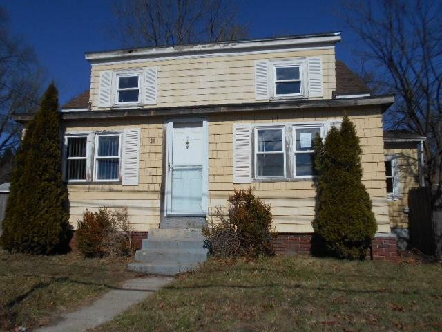 31 Starr ST, Johnston, RI 02919