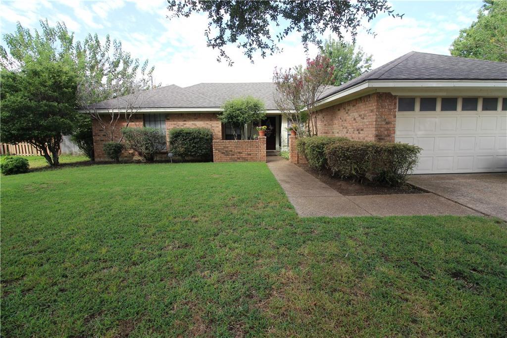 1004 Hyde Park Boulevard, Cleburne, TX 76033