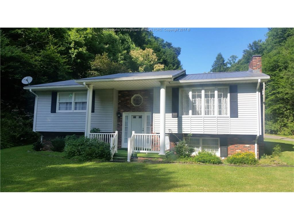 95 Winchester Drive, Clay, WV 25043