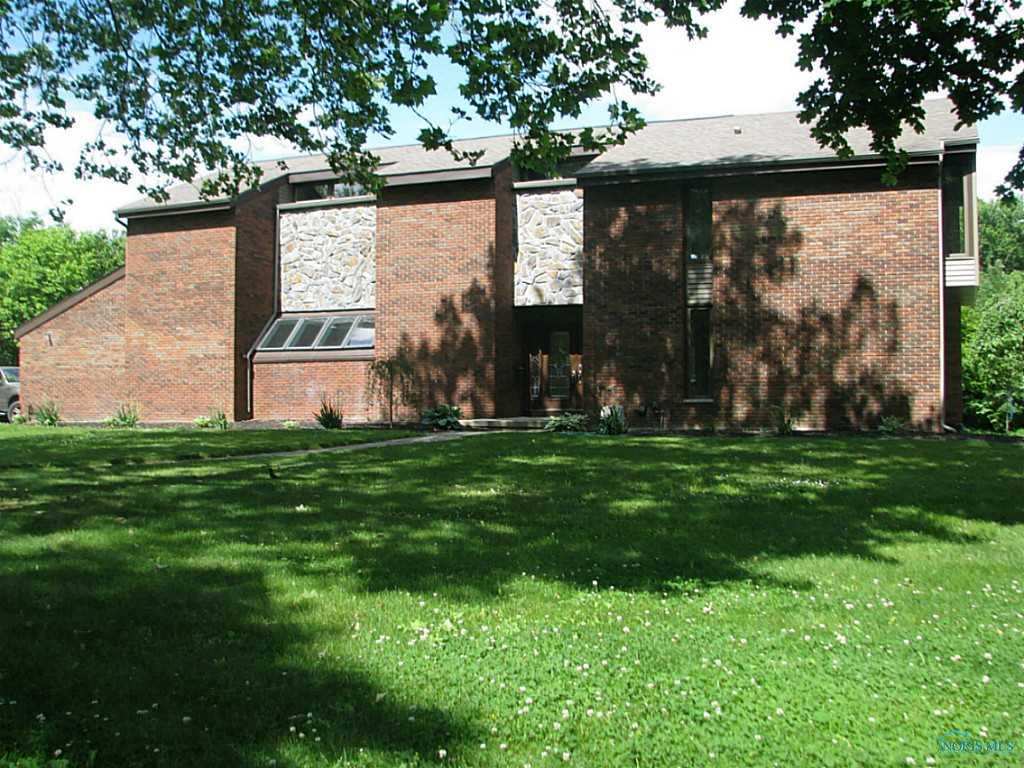 374 Colony Road, Rossford, OH 43460