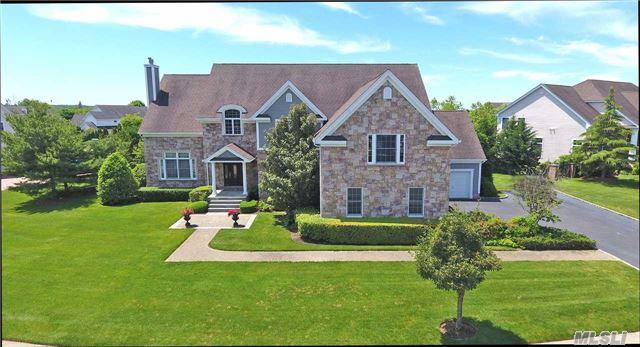 110 Elmwood Dr, Dix Hills, NY 11746