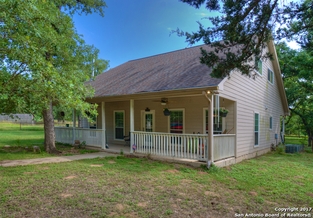 2400 Mule Creek Rd, Harwood, TX 78632