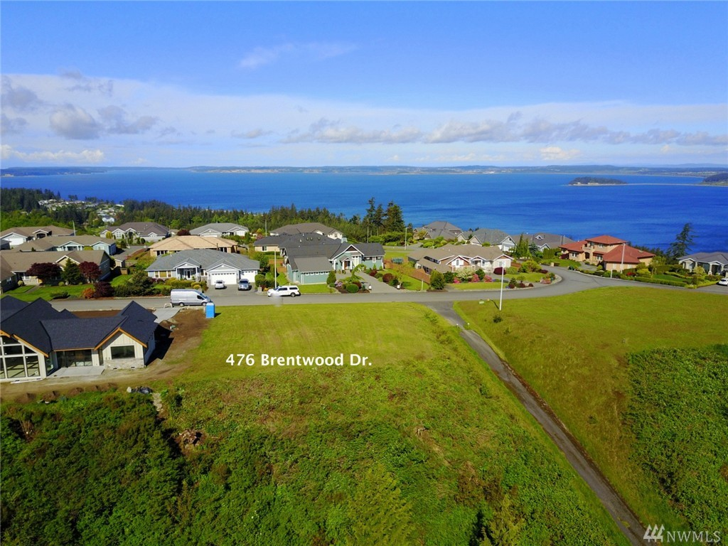 476 Brentwood Dr, Camano Island, WA 98282