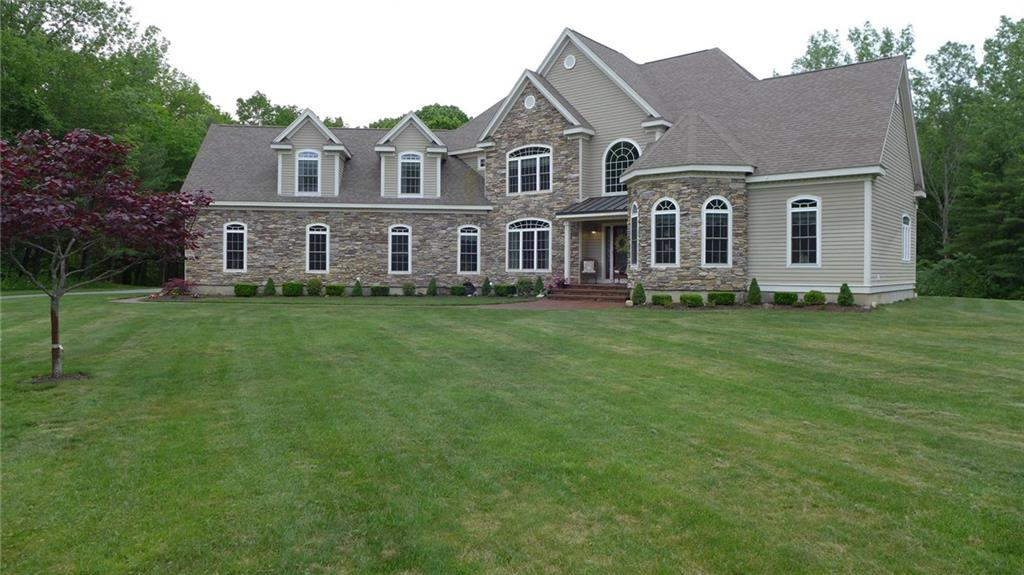 321 Greenville RD, North Smithfield, RI 02896