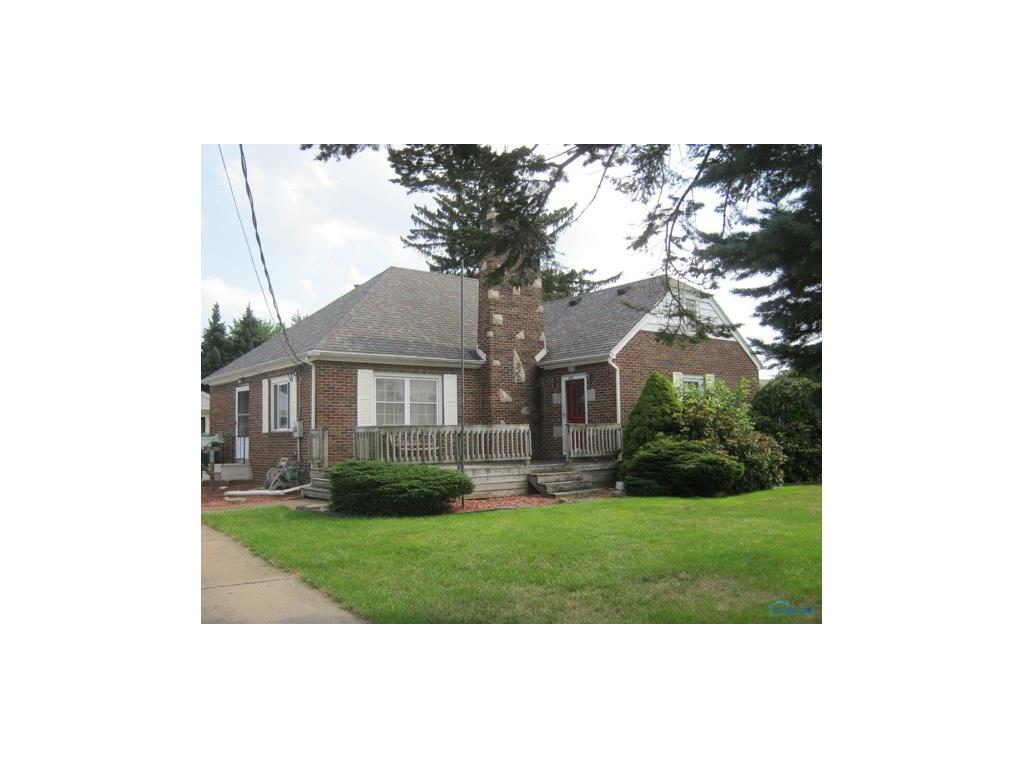 305 Eagle Point Road, Rossford, OH 43460