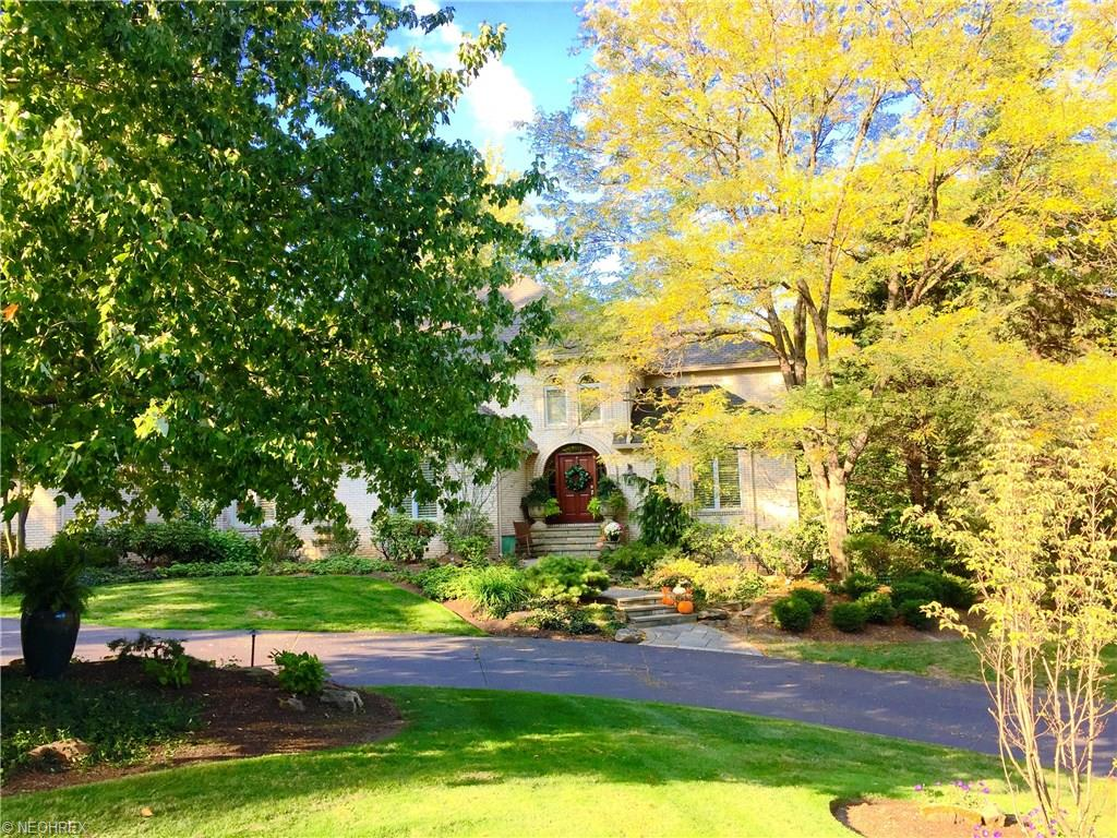 803 Meadowview Ln, Gates Mills, OH 44040
