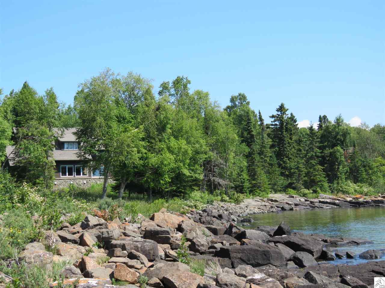 114 Stonegate Rd, Hovland, MN 55606