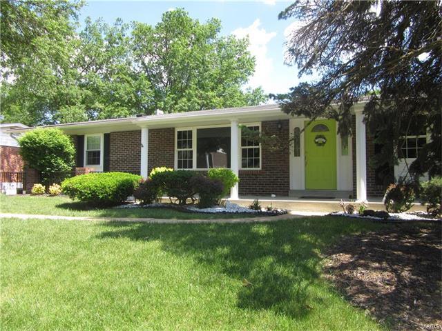 4660 Tauneybrook, St Louis, MO 63128