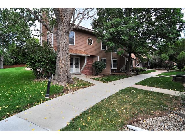 1924 S Balsam Street, Lakewood, CO 80227