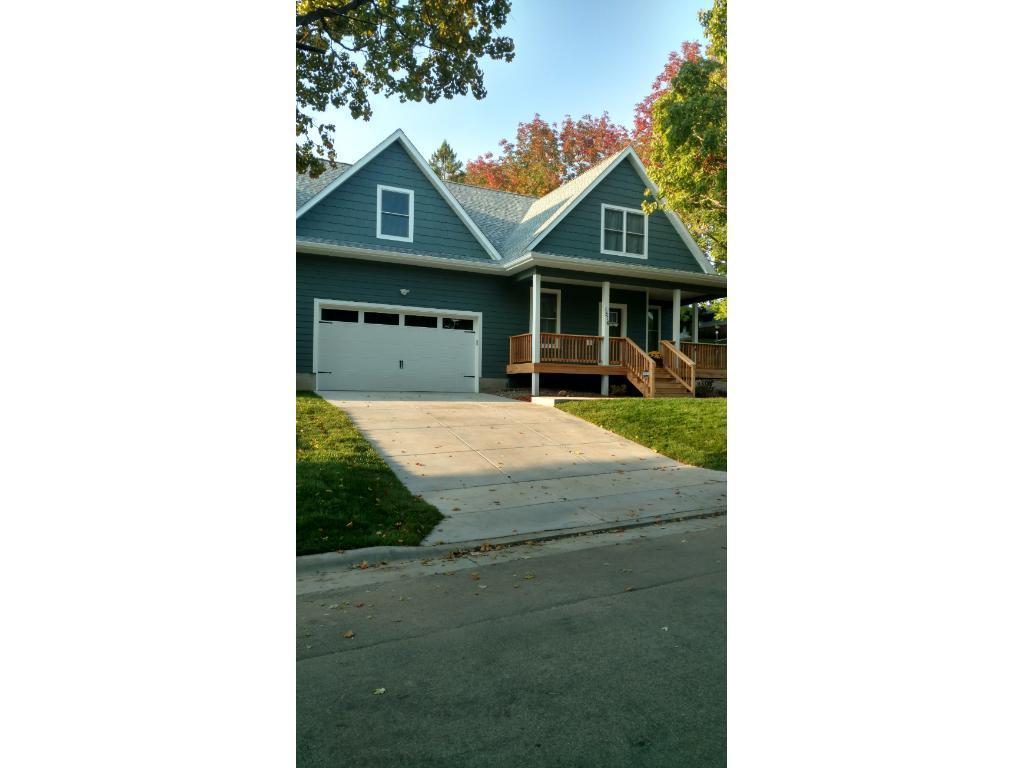 1516 Hartford Avenue, Saint Paul, MN 55116