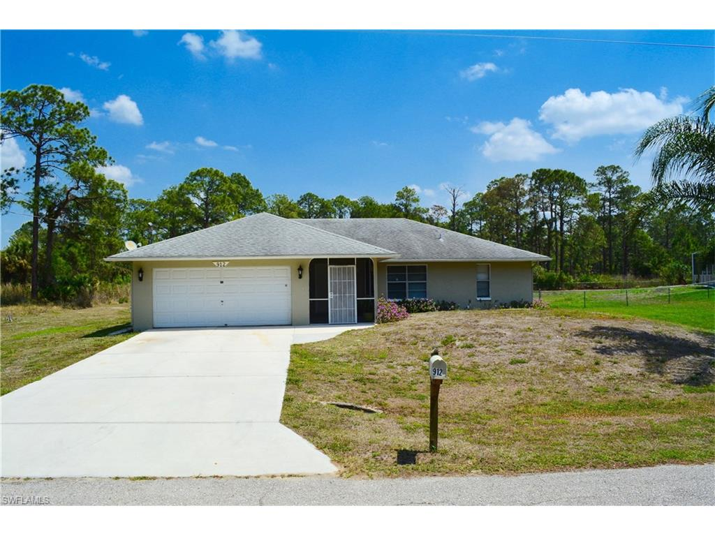 912 Palmetto AVE, LEHIGH ACRES, FL 33972