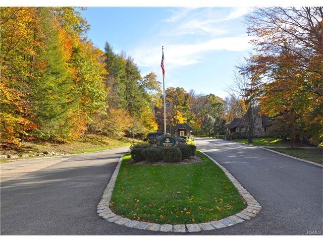 12 Pierson Lakes Road, Sloatsburg, NY 10974