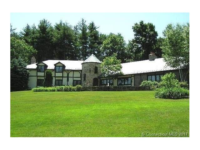 10 Mountain Brook Dr, Cheshire, CT 06410