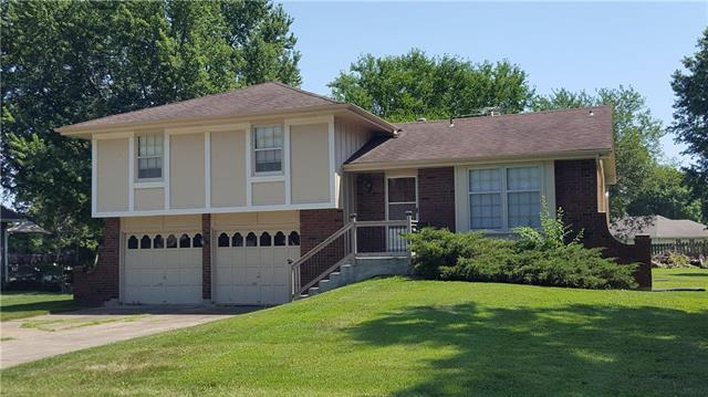 505 W Pine Street, Raymore, MO 64083