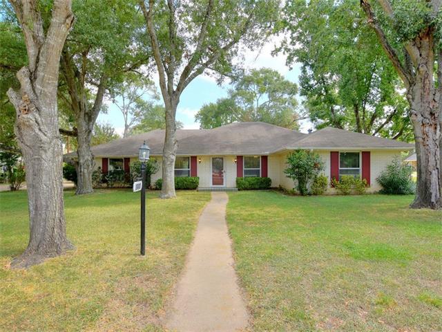 1000 Charleston Blvd, Smithville, TX 78957