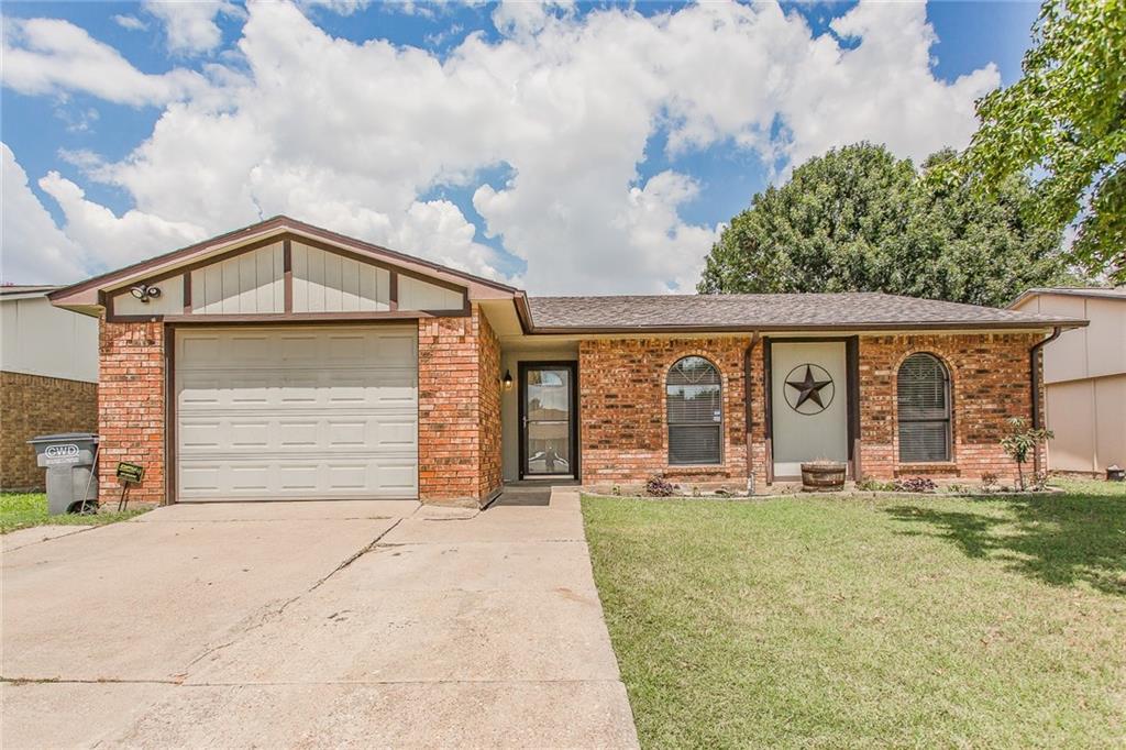 705 Roaming Road Drive, Allen, TX 75002