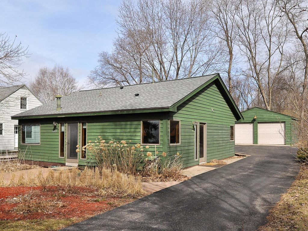 10820 32nd Avenue N, Plymouth, MN 55441