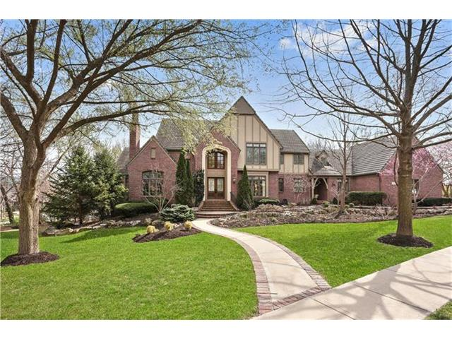 4241 W 113th Terrace, Leawood, KS 66211