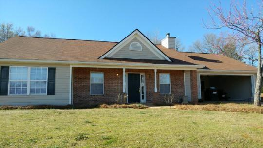 ADORABLE RANCH ON HUGE LOT. NEW ROOF, FRESH PAINT, CUSTOM CABINETS AND MUCH MORE. MOTIVATED SELLER