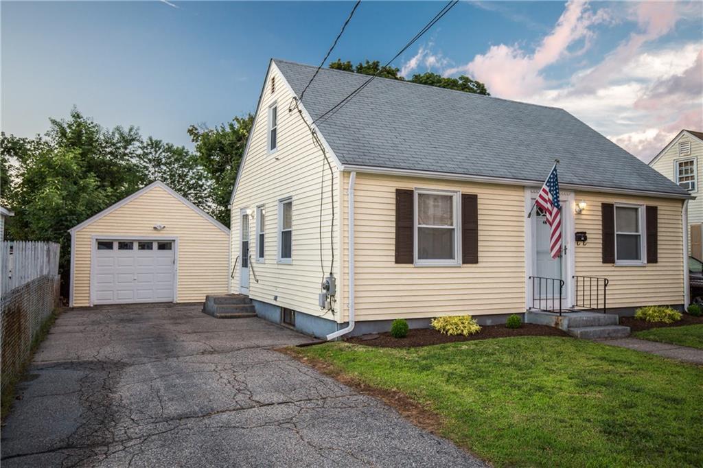 46 Lindesta RD, Pawtucket, RI 02861