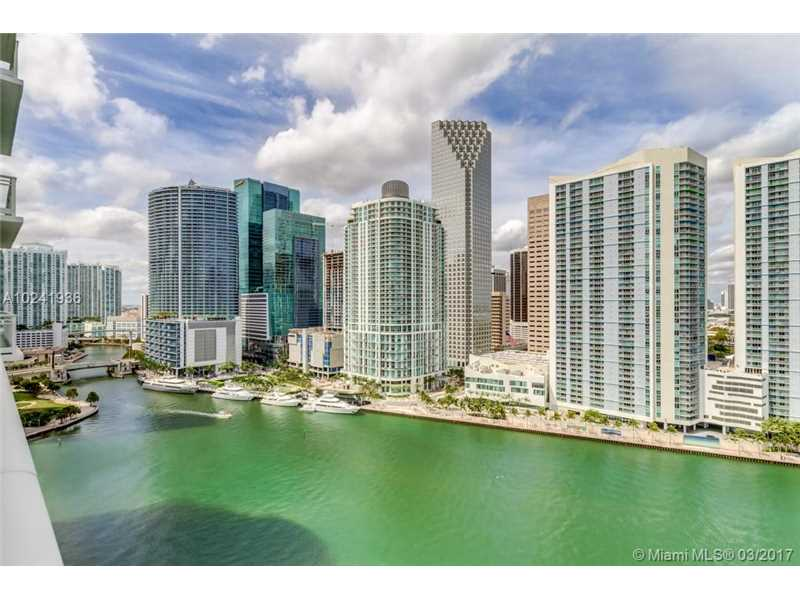900 Brickell Key 1803, Miami, FL 33131