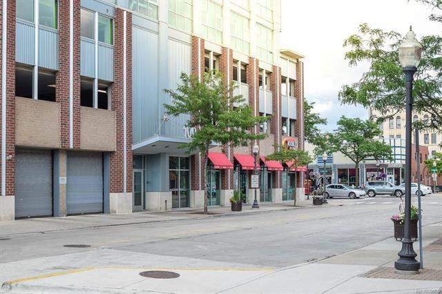 100 W 5TH Street 612, Royal Oak, MI 48067