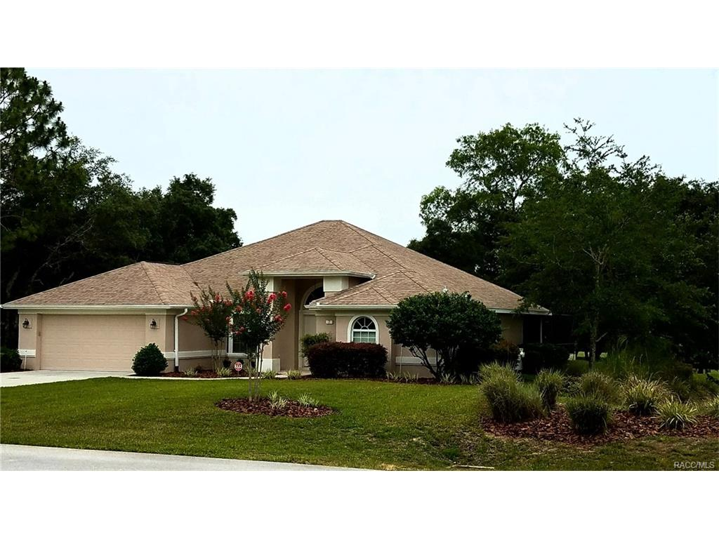 7 Woodfield Circle, Homosassa, FL 34446