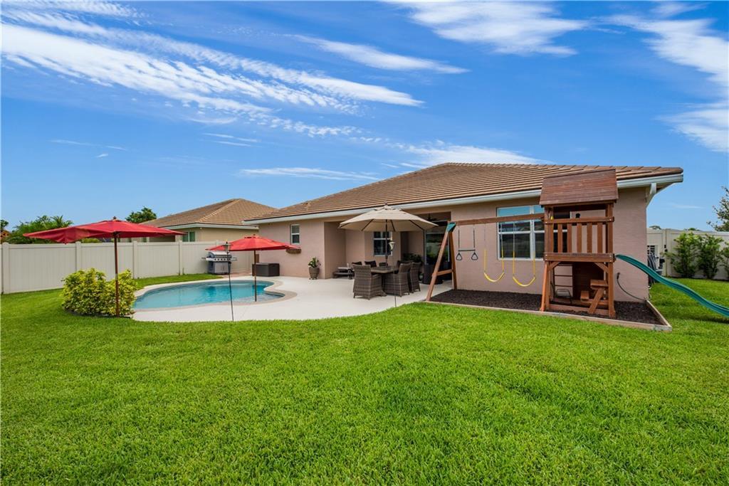 2200 NW Windemere Drive, Jensen Beach, FL 34957