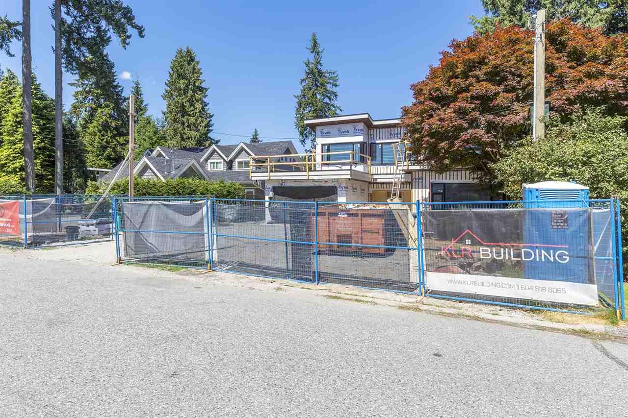 1120 TALL TREE LANE, North Vancouver, BC V7R 1W4