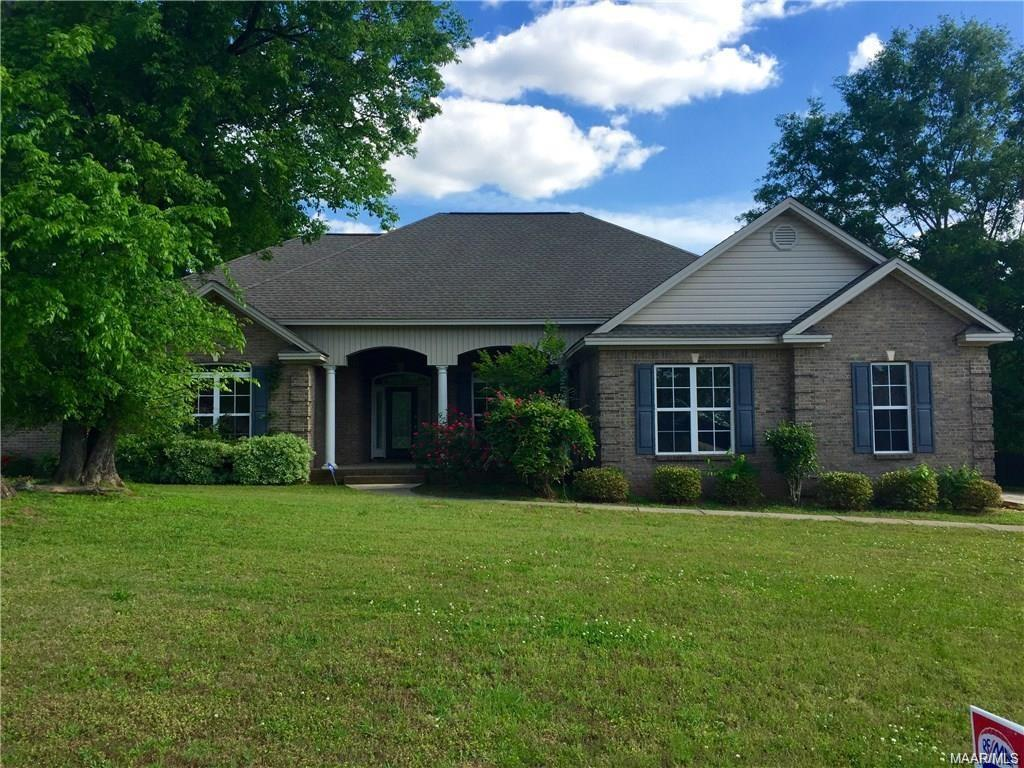 59 WOODLAND Path, Wetumpka, AL 36093