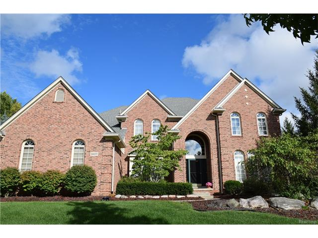 24072 WINTERGREEN CIR S, Novi, MI 48374