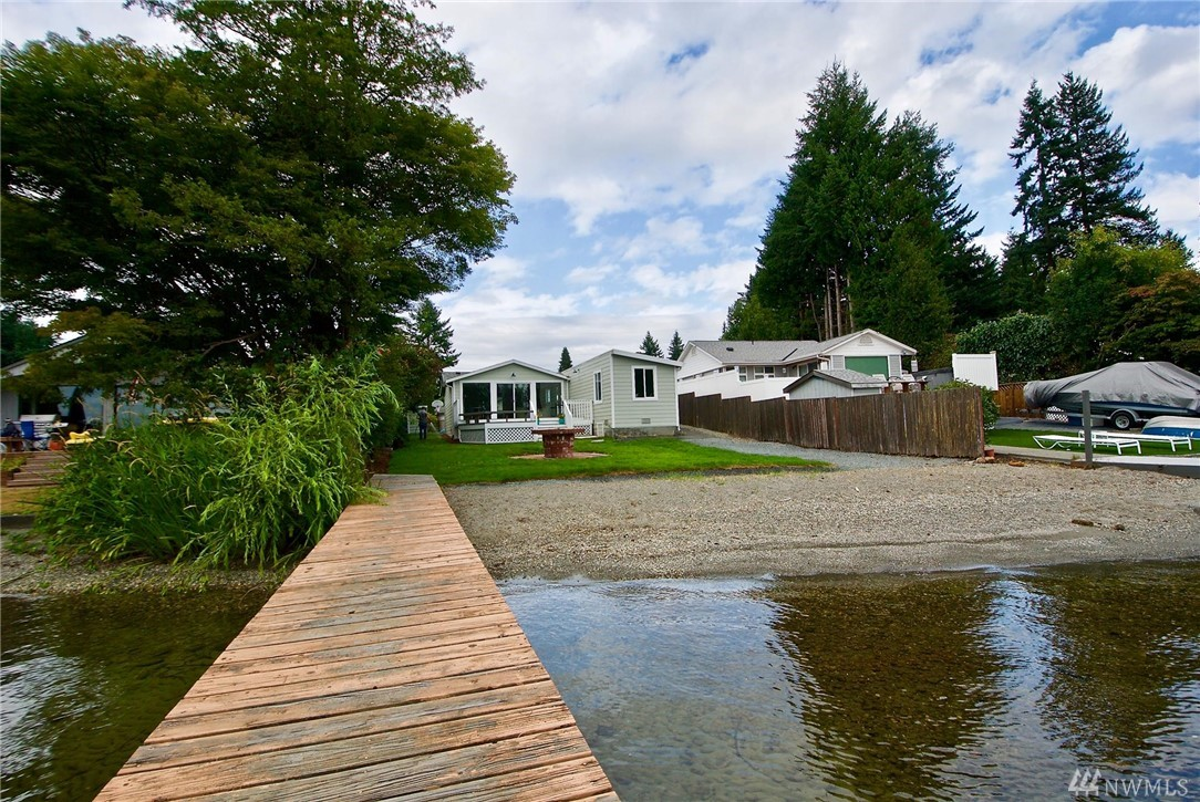 4228 Peninsula Rd, Stanwood, WA 98292