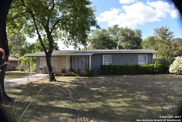 261 WEATHERCOCK LN, Windcrest, TX 78239