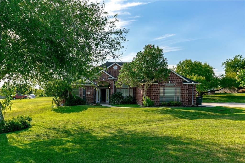 5424 River Trail Dr, Robstown, TX 78380