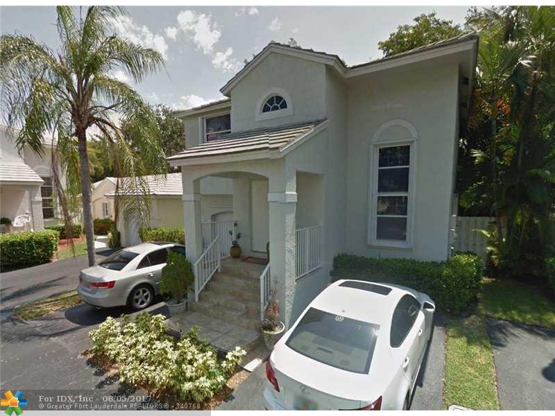 9910 NW 2nd St, Plantation, FL 33324