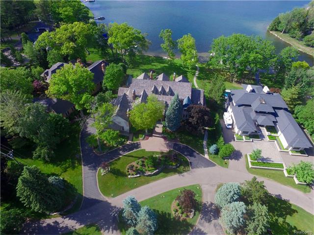 3151 W Shore, Orchard Lake, MI 48324