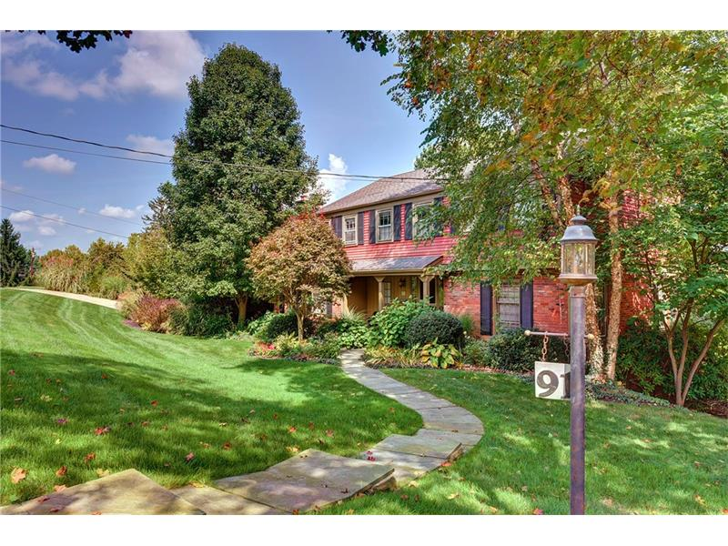 91 Country Club Dr, Pittsburgh, PA 15241