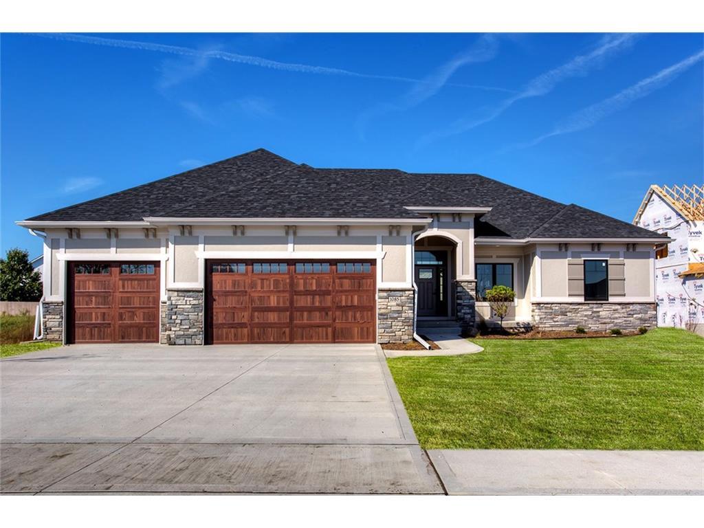 1085 SE Grant Woods Court, Waukee, IA 50263