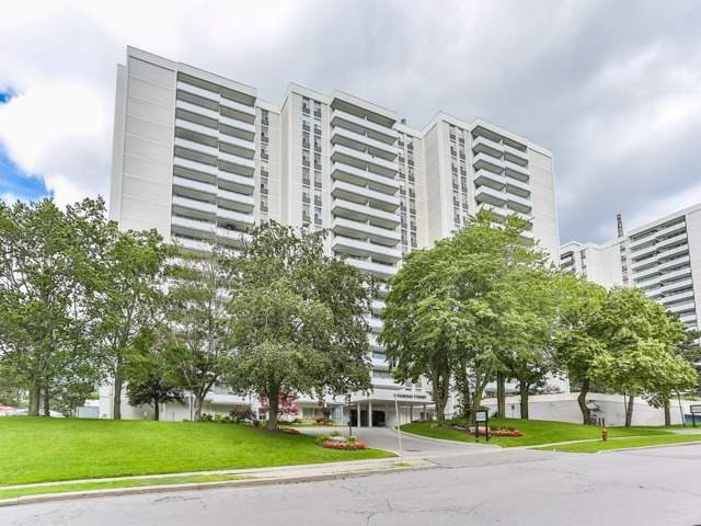 10 Parkway Forest Dr 503, Toronto, ON M2J 1L3