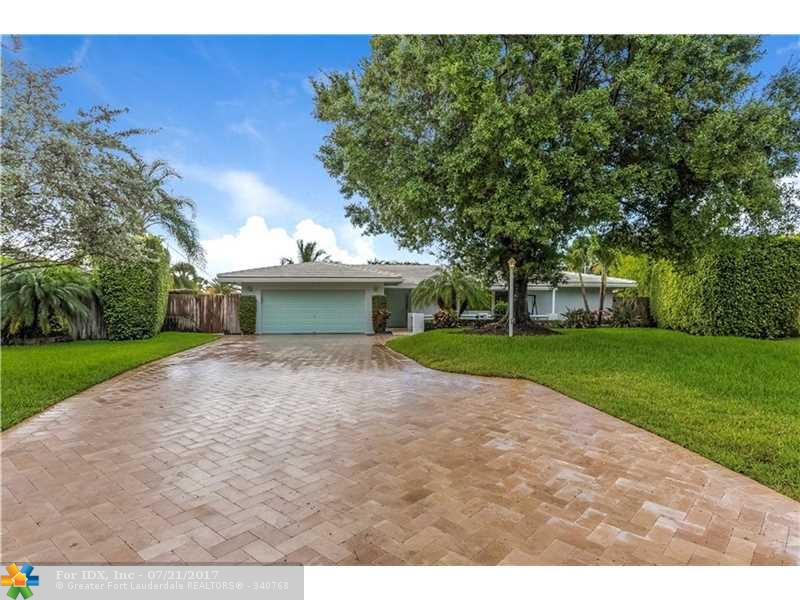 660 SE 12th St, Pompano Beach, FL 33060