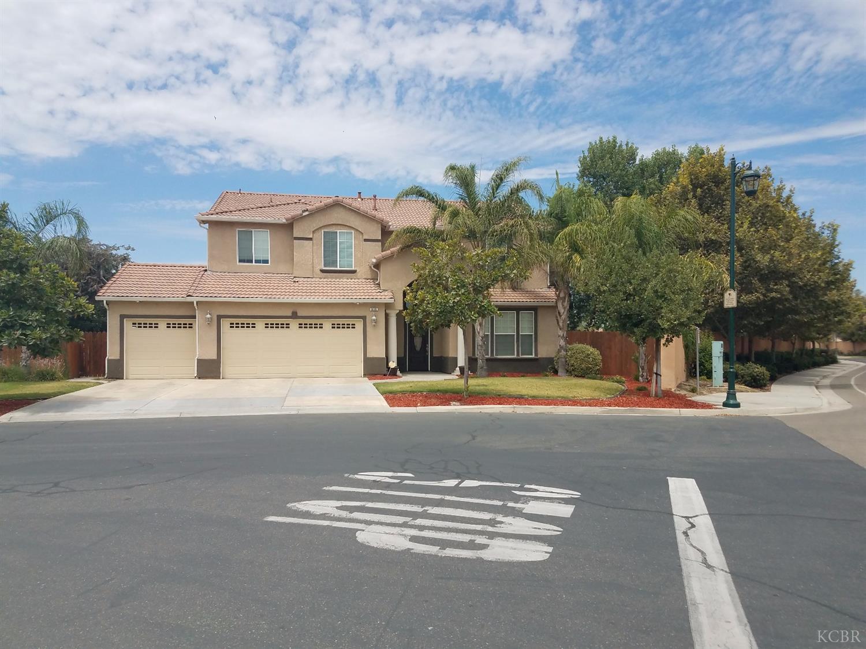 969 Paradise Drive, Lemoore, CA 93245